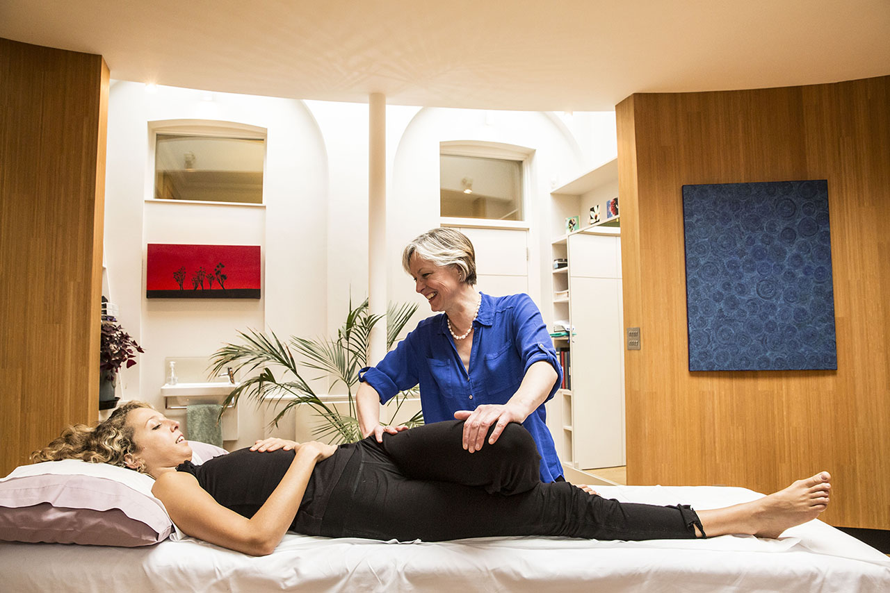 putney_osteopaths_home_03_1x_1280w.jpg